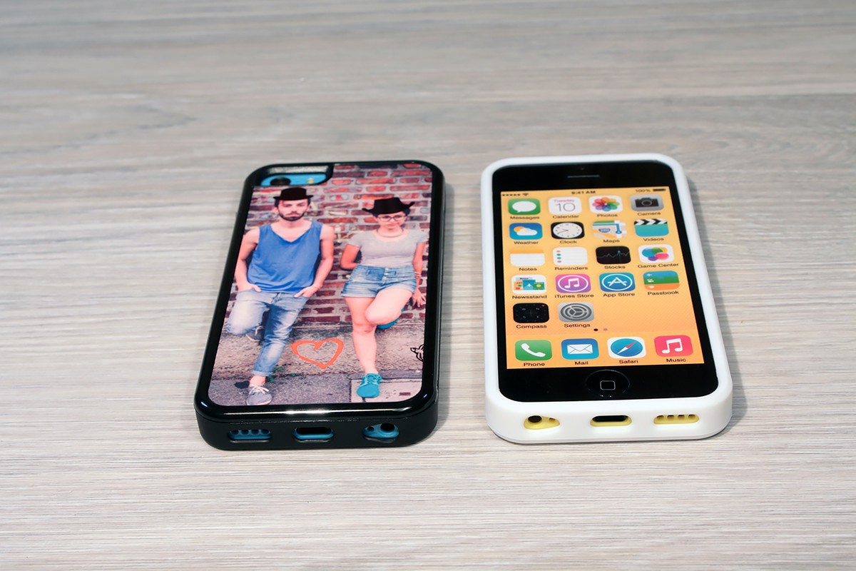coque iphone 5c personnalis e avec c t s silicones unis. Black Bedroom Furniture Sets. Home Design Ideas